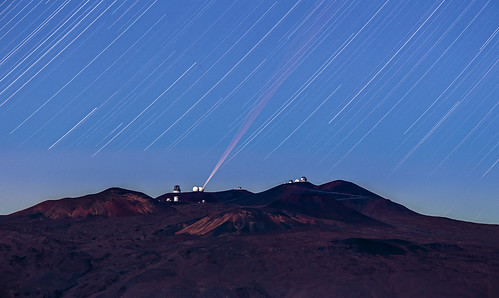 night stars telephoto laser maunakea startrails maunaloa 420mm adaptiveoptics