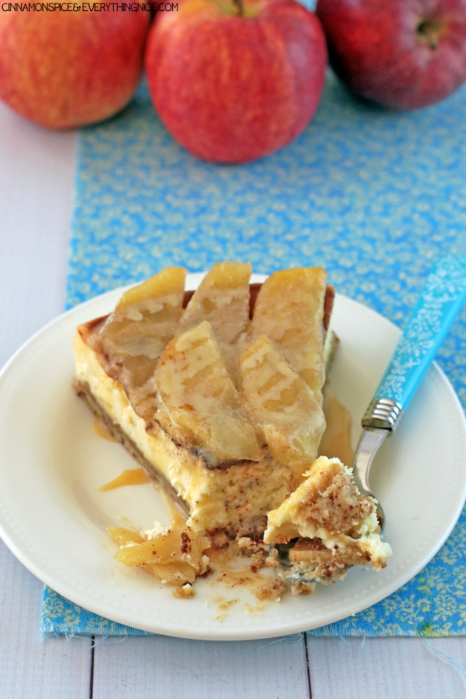 Caramel Apple Cheesecake #apples