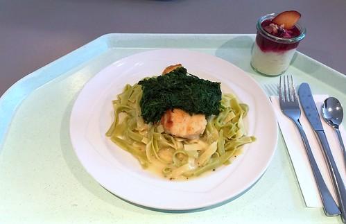 Coalfish with spinach on tagliatelle & white wine chives sauce / Seelachs mit Spinat auf Tagliatelle & Weißwein-Schnittlauchsauce