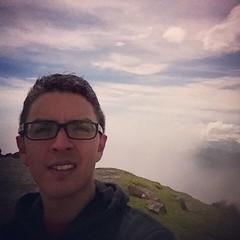Y mientras tanto, caminamos sobre las nubes como dioses. #Guatemala #SierraMadre #Altiplano #nubes #clouds #montañas #skywalking #CloudWalking #WandererabovetheSeaofFog #CasparDavidFriedrich