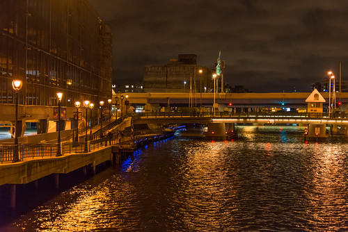 water dark lights high iso riverwalk milwaukeedowntown