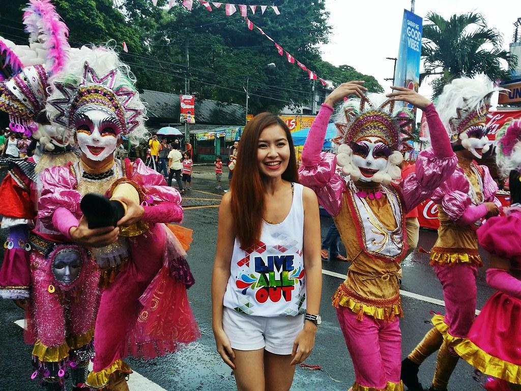Masskara-festival-parade
