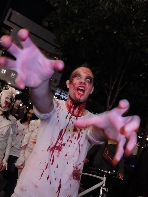 Zombie attack Nakameguro Blue Halloween 26