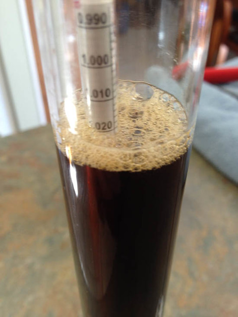 hydrometer measurement beer.jpg