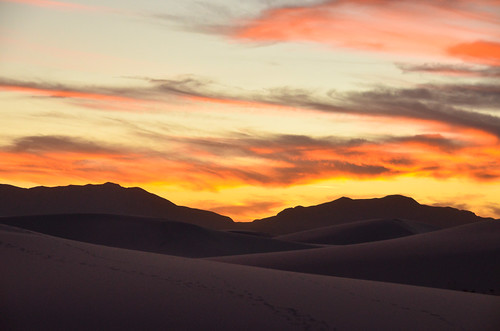 White Sands, NM: White Sands National Monument at Sunset