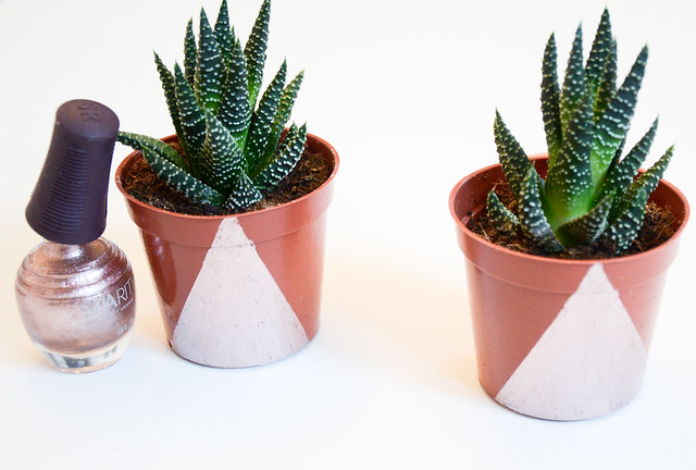 DIY paint mini planters in geometric shapes with nailpolish