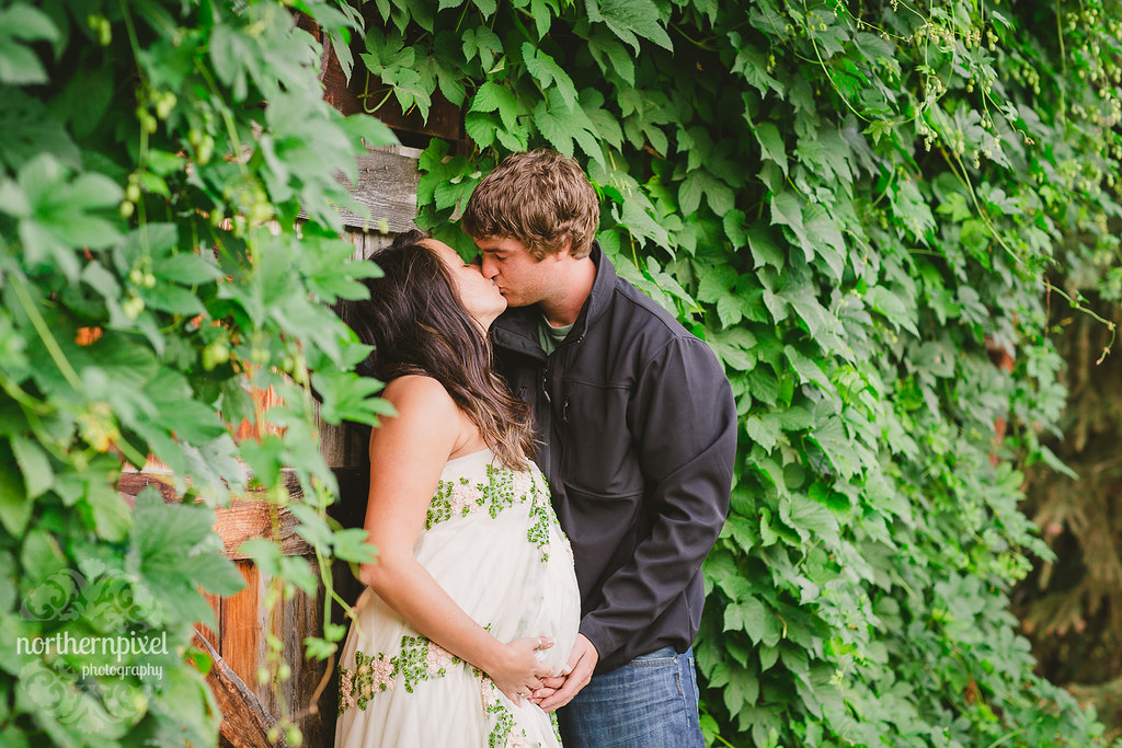 Ashley & Chris - Vanderhoof Maternity Session