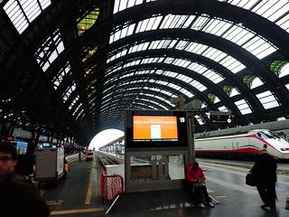 תמונה של Milano Centrale. milan milano μιλάνο ミラノ train station stazione