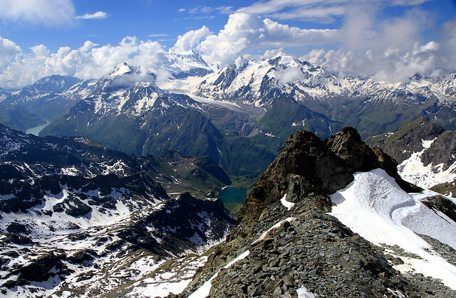Conversation between the two alpine lakes