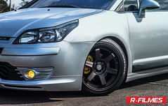 automobile(1.0), automotive exterior(1.0), wheel(1.0), vehicle(1.0), automotive design(1.0), citroã«n c4(1.0), rim(1.0), compact car(1.0), bumper(1.0), land vehicle(1.0),