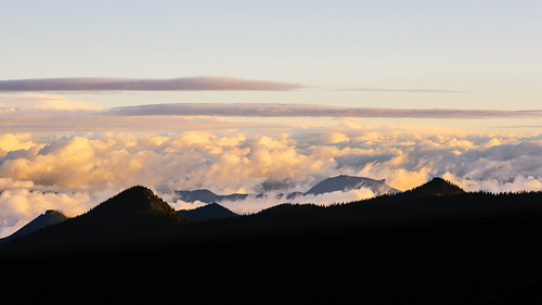 morning mountains nature clouds sunrise landscape scenic bluesky pacificnorthwest washingtonstate mtrainiernationalpark canon135mmf2lusm canoneos5dmarkiii