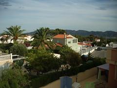 Fabulosas vistas al mar y a la montaña.  Solicite más información a su inmobiliaria de confianza en Benidorm  www.inmobiliariabenidorm.com
