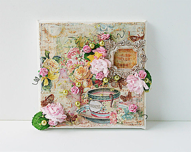 Mixed-media-canvas-by-Yvonne-Yam-for-The-Crafters-Workshop-and-Viva-Las-Vegastamps