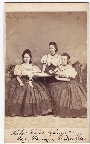 /Veress Ferenc/ - 1860s - Miklós? lányok: Ida, Hermin és Gizella