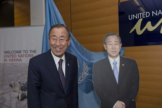 UN Secretary-General Ban Ki-moon meets staff of UN Information Service (UNIS) Vienna