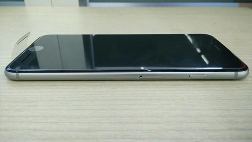 iPhone 6 Plus ด้านขวา