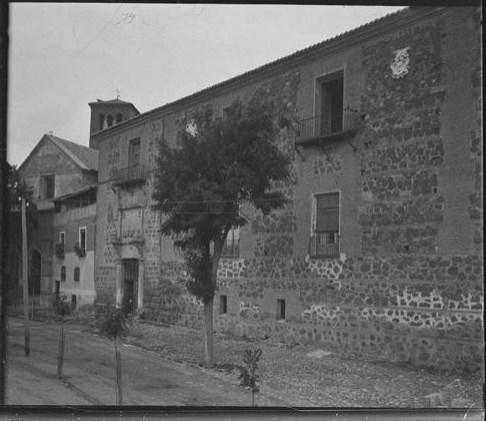 Palacio de Fuensalida hacia 1915. Fotografía de Aurelio de Colmenares y Orgaz, Conde de Polentinos Ⓒ Fototeca del IPCE, Ministerio de Educación, Cultura y Deporte. Signatura DCP-A-2267_P