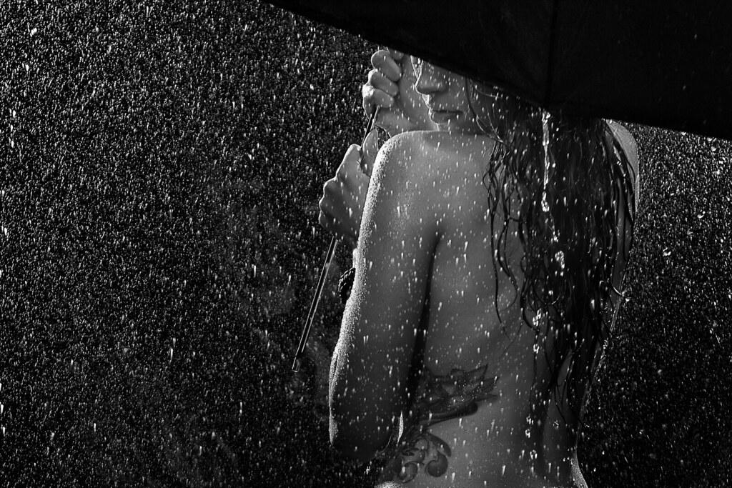 марго фотосессия голая за стеклом