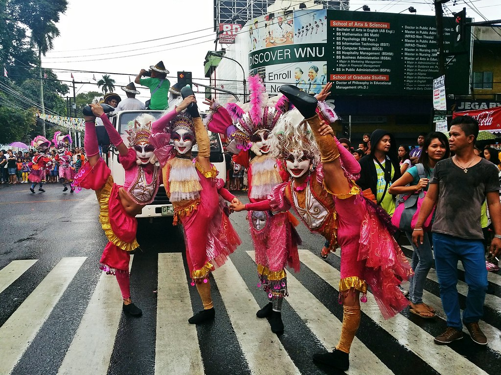 Masskara-parade-2014
