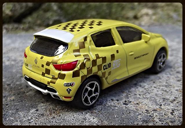 N°221G Renault Clio sport 15456329028_9ce024ec74_z