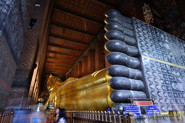 Reclining Buddha - Full length