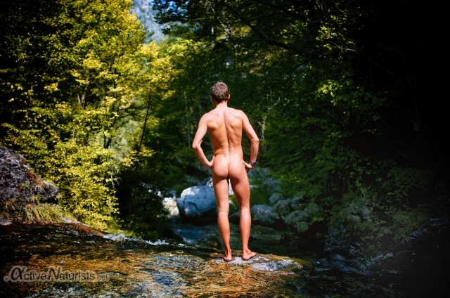 naturist 0017 E4 trail, Mount Olympus, Greece