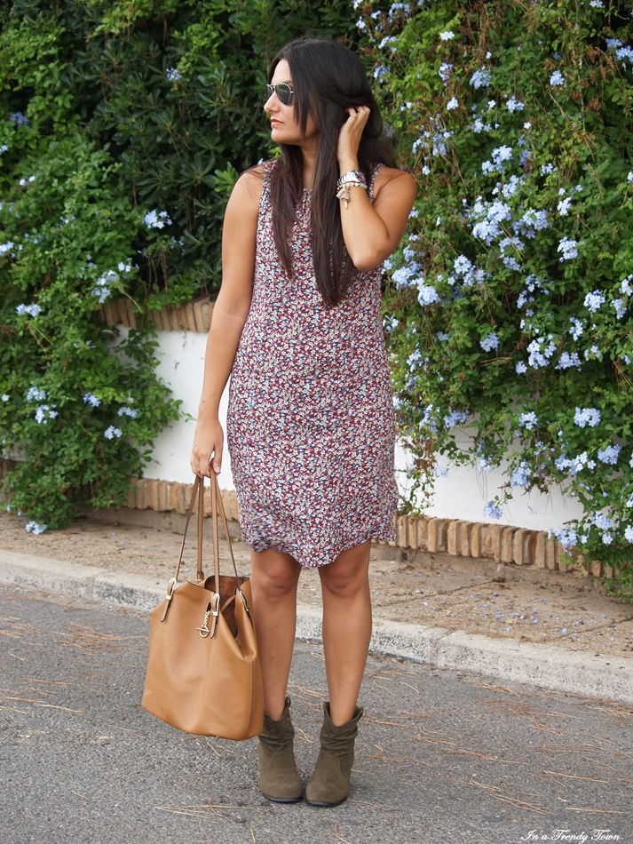 OUTFIT MINI FLOWERS