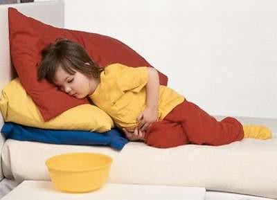 Cách xử lý khi bị ngộ độc thức ăn trẻ em