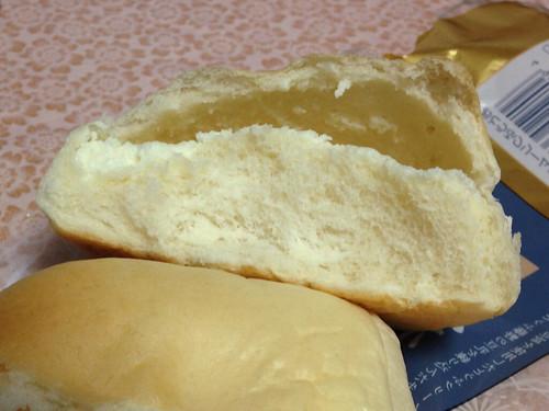 豆腐クリームパン