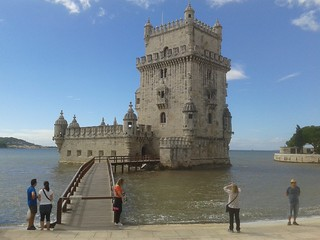 Attēls no Belém Tower pie Algés. tower portugal torre lisbon belem belém