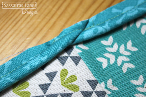 Arcadia Avenue Pillow Tutorial