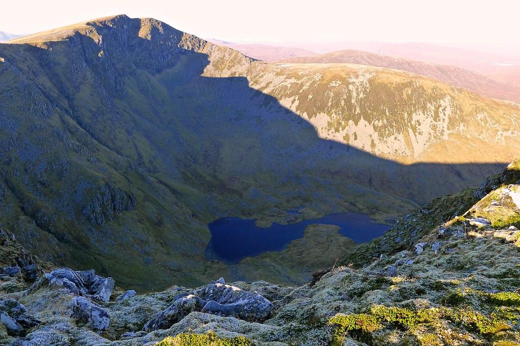 Loch Luchd Coire, Seana Bhraigh