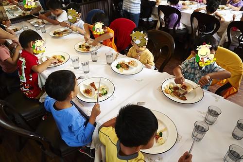 高雄新國際西餐廳 小朋友的西餐禮儀教學活動 (11)