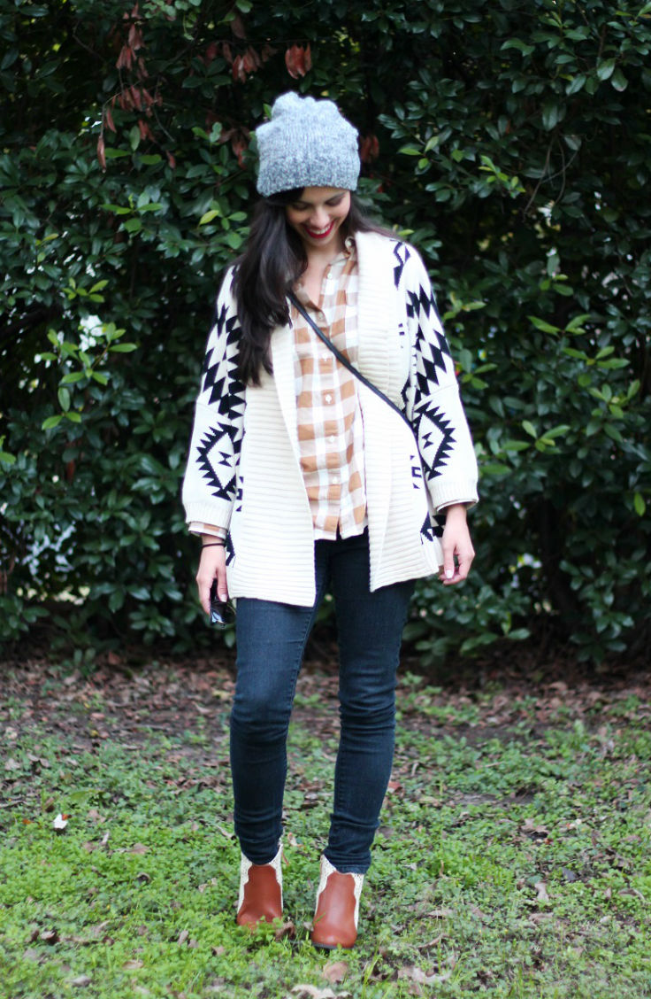 casual fall outfit, tribal print cardigan, slouchy beanie, brown booties, austin texas style blogger, austin fashion blogger, austin texas fashion blog