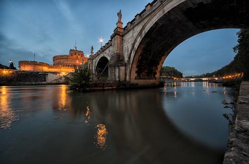 bridge sunset italy rome roma italia tramonto arch tiber tevere castelsantangelo lazio pontesantangelo castleoftheholyangel lungoteverevaticano mausoleodiadriano romanemperorhadrian themausoleumofhadrian