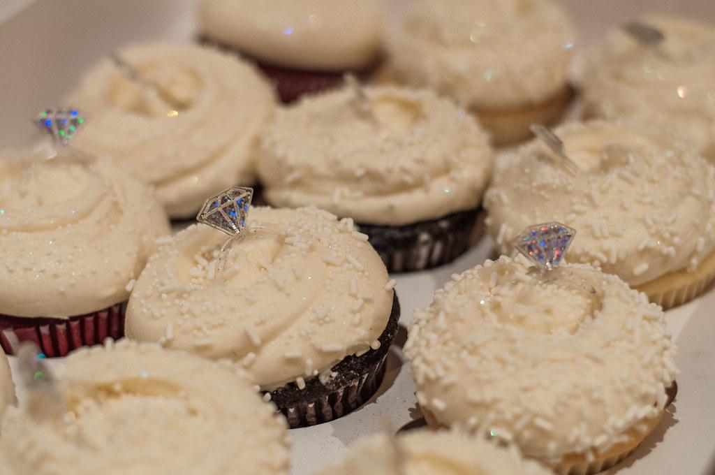 Magnolia engagement cupcakes