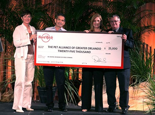 Hard Rock International donates to The Pet Alliance