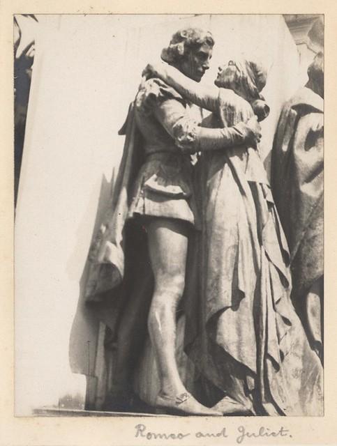 romeo and juliet explication Roméo et juliette (romeo and juliet) est une tragédie de william shakespeare  écrite vers le début de sa carrière, elle raconte l'histoire de deux jeunes amants.