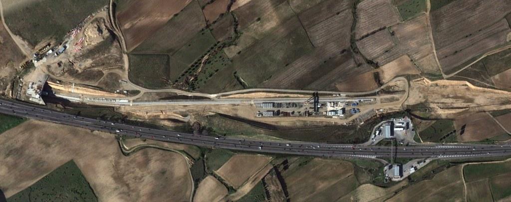 cercanías, navalcarnero, madrid, una grúa puente preciosa parada, después, urbanismo, planeamiento, urbano, desastre, urbanístico, construcción, rotondas, carretera
