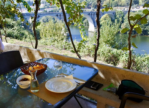 Lunch over the Tamega river