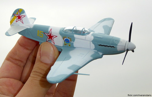 Yakovlev Yak-3 (Я́ковлев Як-3) 1:72 - Mitos del Aire