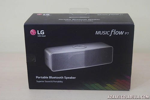 unboxing LG Music Flow speakers