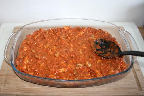 40 - Ragout in Auflaufform geben / Put ragout in casserole