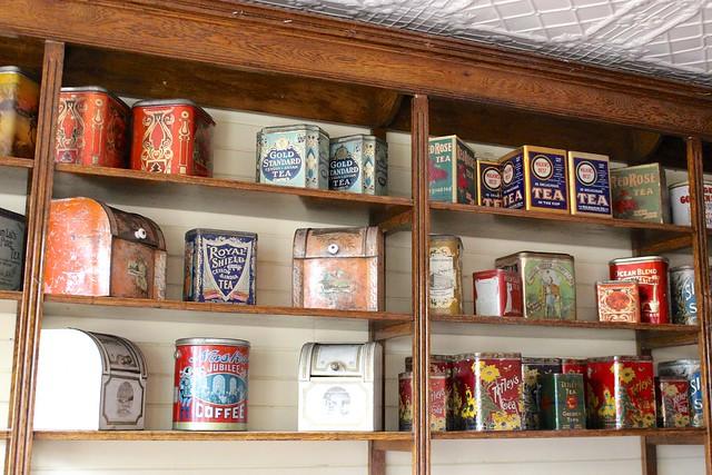 heritage-park-vintage-tins