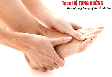 Tê bì chân tay – dấu hiệu của tổn thương thần kinh do tiểu đường