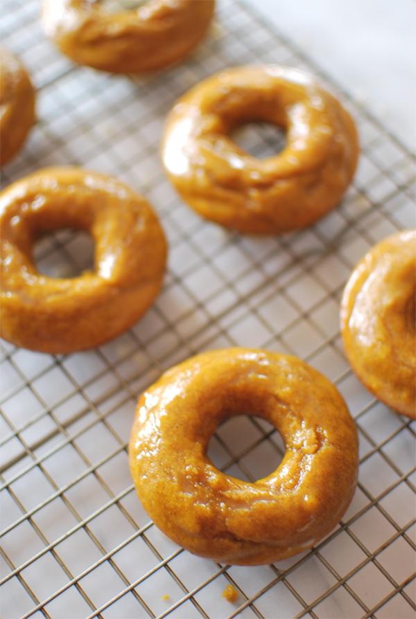 pumpkin-donuts-4