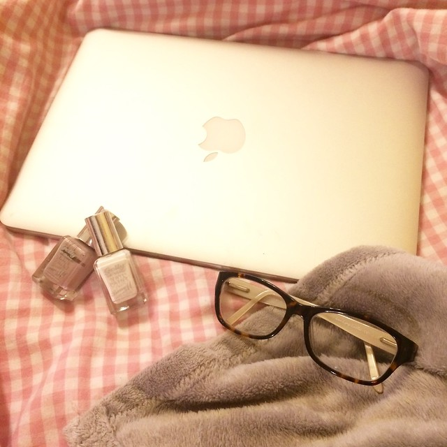 Hannah Emily Lane - Macbook Glasses Nailvarnish Bed