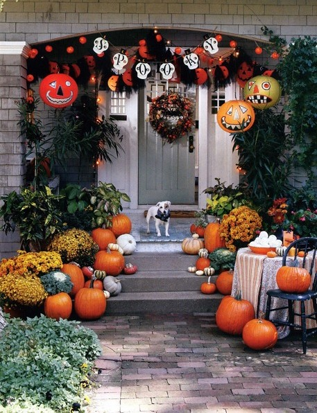 Halloween Decorating Ideas Pumpkins Front Door Dog