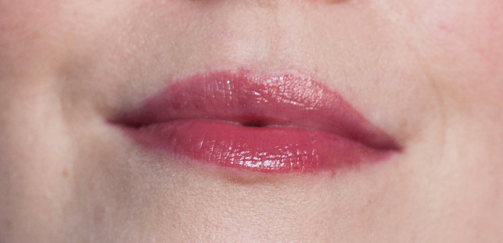 H&M beauty Gossamer Lipstain in Gauzy Mauve review