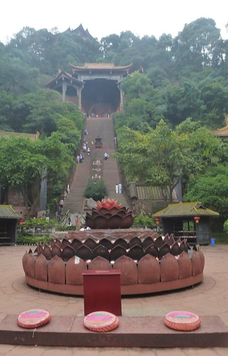 CH-Leshan-Bouddha oriental (8)